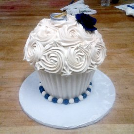 Cream White Roses Wedding Cake